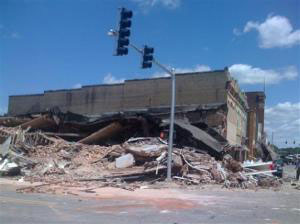 Toddler Killed in Arkansas Building Collapse